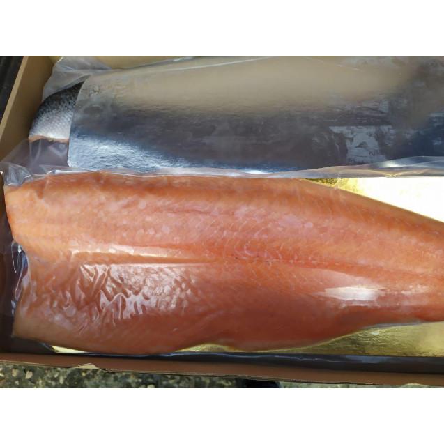 Филе семги холодного копчения (произведено из охлажденного сырья), на коже (Трим D) замороженное (2+ кг), вакуум, Россия, 1кг